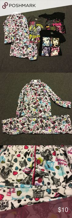 Girls Monster High clothes Bundle All are a size S/CH  (6/6X).  Pajama set worn condition. No holes or tears. There are 3 other shirts with this Bundle. One of the shirts the lettering is crackled, there are close up pics. monster high Other
