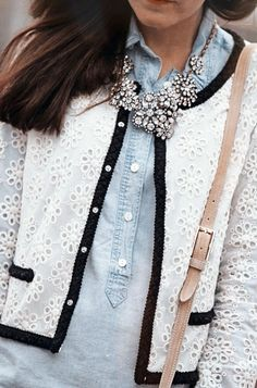 layer denim and lace, add statement piece Chambray, Looks Style, My Style, Use E Abuse, Classy Girl, Denim And Lace, Classy And Fabulous, Look Fashion, Floral Fashion