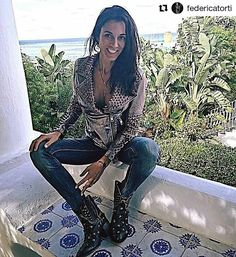 @federicatorti with @sendra_boots. So beautiful!  #sendra #sendraboots #highquality #handmadeboots #madeinspain #loveboots #fashionboots #fashion #design #trend #look #streetstyle #style #outfit #ootd #outfitoftheday #bestoftheday #photooftheday #picoftheday #girl #woman #love