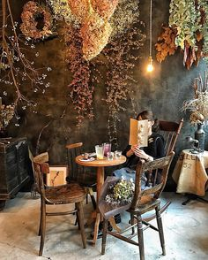 new home design Coffee Shop Design, Cafe Design, House Design, Cafe Interior, Interior Design, Coffee Shop Aesthetic, Aesthetic Japan, Restaurant Design, Dried Flowers