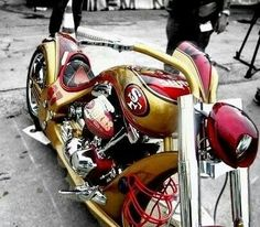 I may not ride on my own yet but I want this bike! Best Football Team, Nfl Football, American Football, Nfl 49ers, 49ers Fans, Sf Forty Niners, Sf Niners, 49ers Pictures, 49ers Nation