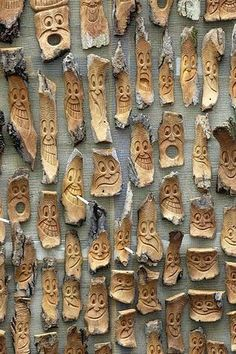 How to carve wood with your Dremel!Dremel wood your with carving v… Wood woodworking - wood working v Wood woodworkingThe DIY Dremel GuideClever! >> The DIY Dremel Information WoodcarvingsHow to carve wood with Dremel Wood Carving, Wood Carving Art, Wood Carving Faces, Ideas Dremel, Wood Carving Patterns, Driftwood Crafts, Diy Holz, Woodworking Projects Plans, Woodworking Wood