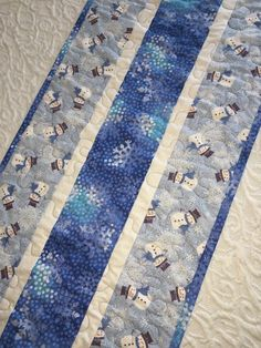 Snowman Table Runner Quilt Blue White by KeriQuilts on Etsy by Angie Desmarais