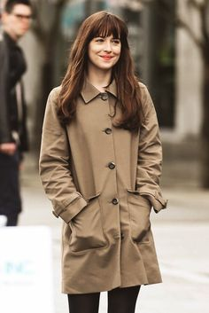 Dakota on set of Fifty Shades Of Grey. she looks so adorable. via (ilovedamie) twitter