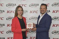CHIZZA DE KFC® LLEGA AL ECUADOR