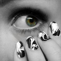 Ida-Marian kynnet / Black and white dry marble nails / #Nails #Nailart #Eye