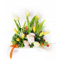 Veľká noc je za rohom a s ňou prichádza aj jarné obdobie. Vyzdobte si svoju domácnosť krásnymi dekoráciami z našej ponuky. Stačí si vybrať a nakupovať. Floral Wreath, Easter, Wreaths, Display, Home Decor, Floor Space, Floral Crown, Decoration Home, Door Wreaths