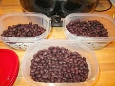 How to cook black beans in the crock pot.  1lb, 6cups water, 4 hours on high = 3 cans of beans.  Can freeze!!
