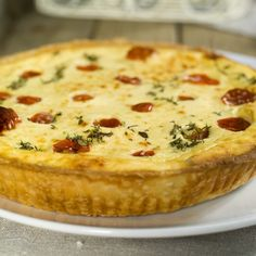 Ricotta pie with tomatoes and herbs Lunch Recipes, Cooking Recipes, Healthy Recipes, Ricotta Pie, Quiche, Mashed Potatoes, Nom Nom, Pizza, Breakfast