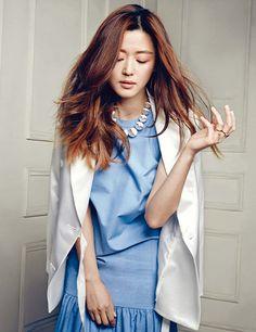 Jeon Ji Hyun proves once again why she's Korea's #1 fashionista