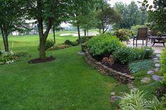 Ohio Garden, via green thumb blonde. Beautifully cared.
