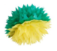 Pom Pom de Papel verde e amarelo. Yellow and green paper pom pom #pompoms #pompomdepapel #copa2014 #copabrasil2014 #verdeeamarelo #amareloeverde #decoracaoverdeeamarelo #enfeiteverdeeamarelo #polkadotfestas
