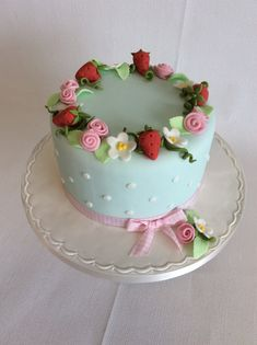 This is our new design, Summer Time for the Intro to Sugarpaste course on Sunday June from all inclusive. Cake Decorating Courses, Cake Flowers, Celebration Cakes, Summer Time, June, Sunday, Desserts, Food, Design