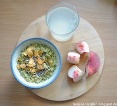 Tanja Bao English: Breakfast, Lunch and Dinner vol.2. Porridge with matcha, almond powder, chia and cornflakes. Doughnut peach, lemon water.
