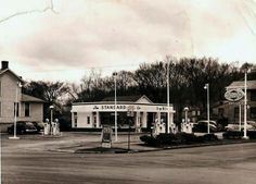 This old gas station was at the corner of Putnam and Gilman. It was taken in 1940s or 50s.