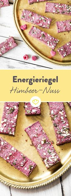 Himbeer-Nuss-Riegel: Zwei Schichten voller Energie Berry pink on a nutty brown - fruits and nuts are not only in color, but also in taste a perfect team. At this gathering, sweet and sour raspberries Raw Food Recipes, Sweet Recipes, Snack Recipes, Dessert Recipes, Paleo Dessert, Healthy Sweets, Healthy Snacks, Fudge, Energy Bars