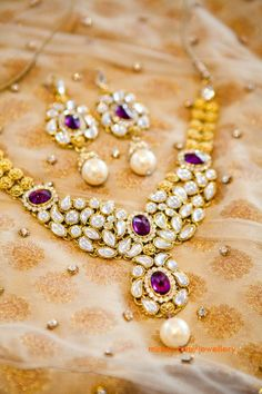 kundan necklace and earrings set