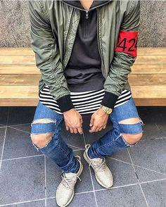 #424 #fearofgod #fog #adidas #outfitsociety #outfitsociety #outfitshare #outfitshare #outfitplace #outfitoftheday #simplestyle #simplefits #emiliosblessed #yeezy #yeezyboost #kanye #fashion #outfitshare