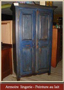 Armoire bleue antique