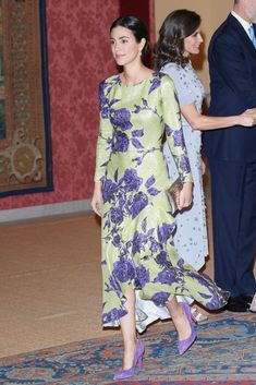 Alessandra de Osma attends a reception offered by Peruvian president Martin Alberto Vizcarra in honour of King Felipe VI of Spain and Queen Letizia of Spain at El Pardo Palace on February 2019 in. Givenchy, Valentino, Carolina Herrera, Elsa Peretti, Indigo Flower, Karl Lagerfeld, Estilo Real, Lesage, Check Dress