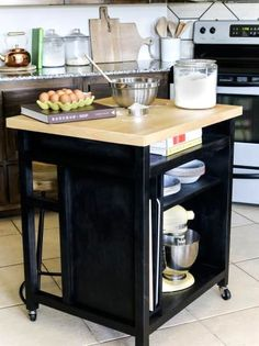 Diy Kitchen Island On Wheels - Kitchen - Best Kitchen Decor! Kitchen Island On Wheels With Seating, Rolling Kitchen Island, Diy Kitchen Island, Kitchen Layout, New Kitchen, Kitchen Decor, Kitchen Ideas, Kitchen Tips, Kitchen Carts On Wheels