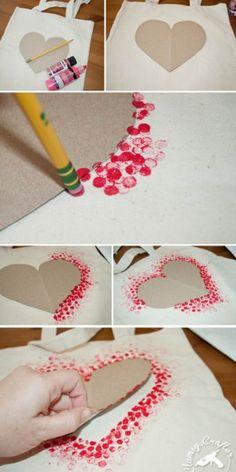 Schöne Idee auch für eine Valentinskarte mit dem Radiergummi eines Bleistiftes in Rote Farbe tunken und dann um eine Herzform stempeln. Noch mehr Ideen gibt es auf www.Spaaz.de