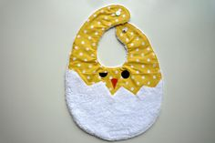Sponge bib chick coming out of the egg, for baby first age: Pu . - Sew for Babies and Kids - Baby Sewing Projects, Sewing For Kids, Sewing Crafts, Baby Gifts To Make, Cute Baby Gifts, Crochet Bib, Burp Rags, Baby Couture, Baby Crafts