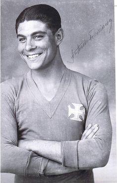 Feliciano - O meu homónimo,afinal sempre joguei no Belenenses. Belem, Image Foot, Ronaldo, Athlete, Coaching, Portugal, Nostalgia, The Past, Soccer