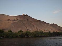 necrópolis cerca de Asuán