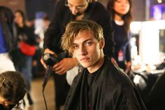 Lucky Blue   Tommy Hilfiger TOMMYNOW Backstage Fall 2017 Show during London Fashion Week September 2017 at the Roundhouse on September 19, 2017 in London, England ❤️