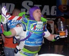 Funny pictures about Bud Light Year. Oh, and cool pics about Bud Light Year. Also, Bud Light Year. Hallowen Costume, Homemade Halloween Costumes, Pop Culture Halloween Costume, Halloween Party, Halloween Ideas, Halloween Havoc, Couple Halloween, Halloween Stuff, Halloween Halloween