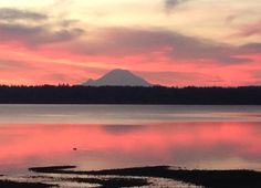 Mount Rainier sunrise picture from Keyport, WA