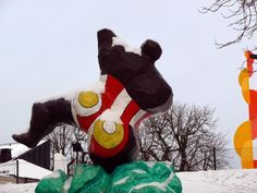 Multimediataiteilija Jemina Staalon portfolio: Niki de Saint-Phalle - osa 2: Talvi tuli Tukkiholmaan Tuli, Cindy Sherman, Scandinavian Design, Saints, Horror, Christmas Ornaments, Holiday Decor, Art, Art Background