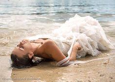 Trash the dress, Queensland style #hamiltonisland #whitsundays #weddings #dress