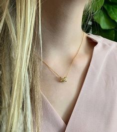 Dainty Gold Necklace, Everyday Necklace, Gold Chains, Arrow Necklace, Chokers, Trending Outfits, Unique Jewelry, Handmade Gifts, Silver