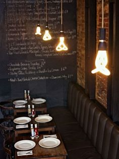 nice atmosphere, love the lighting and the blackboard...