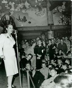 Dinah Shore At The Hollywood Canteen