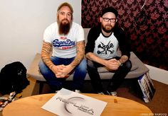 "Hier, In Flames(Official) était en promo chez Sony Music Entertainment pour leur nouvel album "" Siren Charms "" le 8 Septembre dans les bacs ( Columbia / Sony ).  Venez écoutez "" Rusted Nail "" : https://soundcloud.com/replica-promotion/replica-promotion-with-in  Leur message : http://youtu.be/8Zm8ZUmueUY"