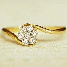 Antique Diamond Flower 18k Gold Ring, Vintage Wedding Ring
