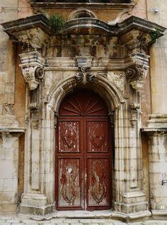 A baroque facade doorway. Palazzo Nobiliare. Ragusa. Ibla. Sicily. #ragusa #sicilia #sicily