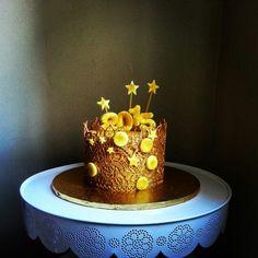 Gold 2015 cake