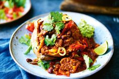 A good slow-cooked beef and bean chilli always goes down a storm in my house. Make a big batch of this on Sunday, then freeze any leftovers for another night. It's brilliant spooned over a baked sweet potato, says Jamie. Healthy Cooking, Healthy Eating, Healthy Recipes, Chilli Recipes, Slow Cooking, Fish Recipes, Slow Cooker Recipes, Cooking Recipes, Cooking Ideas