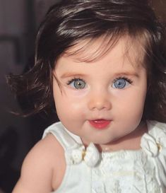 Was ist deine Augenfarbe? Cute Little Baby, Baby Kind, Pretty Baby, Cute Eyes, Pretty Eyes, Beautiful Eyes, Amazing Eyes, Cute Kids Pics, Cute Baby Girl Pictures