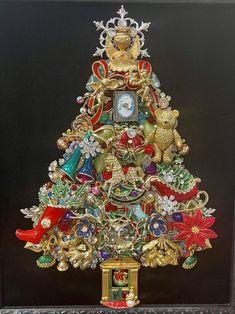 Jeweled Christmas Trees, Christmas Tree Art, Christmas Jewelry, Christmas Deco, Vintage Christmas, Xmas Trees, Christmas Ornaments, Vintage Jewelry Crafts, Vintage Costume Jewelry