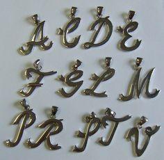 stock 50 ciondoli lettere, iniziale alfabeto, in acciaio