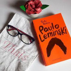 De hoje... ___  AMOR, então, também, acaba? Não, que eu saiba. O que eu sei É que se transforma  numa matéria-prima que a vida se encarrega  de transformar em raiva  Ou em rima.  ___  #pauloleminski #poesia #good #livro #amoler #bookaholic #leia #leitor #books #bookstagram #happy #reads #readhead #book #likeforlike #photography #picoftheday #love #daily #igliterario #minhaestante #boatarde #companhiadasletras #leminski