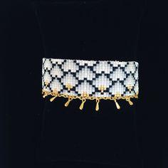 Manchette bracelet en perles Miyuki tissées et gouttes dorées - gris noir blanc et doré