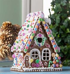 Everlasting Gingerbread House with Collage Clay - Project Decoupage - Everlasting Gingerbread House with Collage Clay Gingerbread House Icing, Cardboard Gingerbread House, Gingerbread House Parties, Christmas Gingerbread House, Christmas Holidays, Christmas Decorations, Retro Christmas, Christmas 2019, Gingerbread Cookies