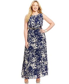 Jessica Howard Plus-Size Floral-Print Pleated Maxi Dress