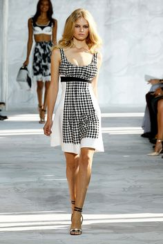 diane_von_furstenberg_new_york_fashion_week_spring_2015_runway_2_1a0pupi-1a0pups.jpg